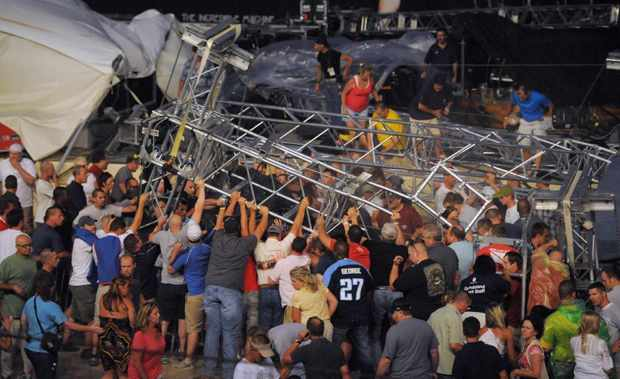 Indiana-State-Fiar-Stage-Collapse-Sugarland-Video