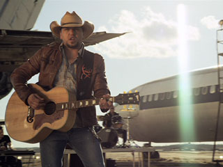 Jason Aldean Fly Over States - CountryMusicRocks.net