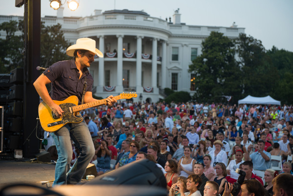 Brad Paisley White House - CountryMusicRocks.net
