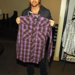 Kip Moore checks out Resistol Apparel (Photo by Bryan Steffy/WireImage)