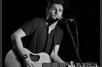 Joel Crouse Photo by Jon Currier Photography - CountryMusicRocks.net