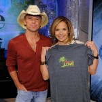 Kenny Chesney Katie Couric Spread The Love - CountryMusicRocks.net