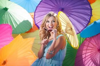 sarah-darling-little-umbrellas-countrymusicrocks.net