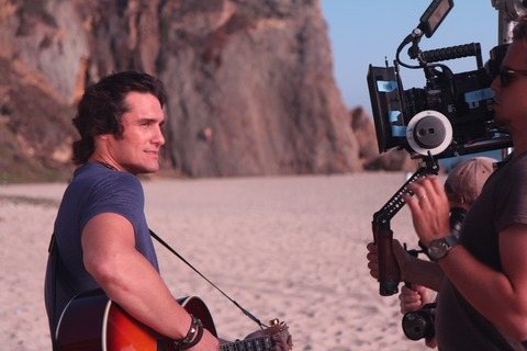 Joe Nichols Sunny And 75 Video - CountryMusicRocks.net