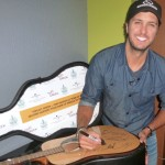 LukeBryan_Yoplait-Greek_Second-Harvest