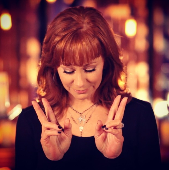 Reba Pray For Peace - CountryMusicRocks.net