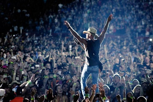 Kenny Chesney The Big Revival Tour Gillette Stadium - CountryMusicRocks.net
