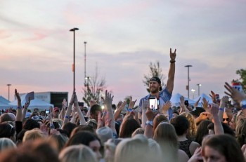 Chase Rice in the crowd Photo Credit Cody Cannon - CountryMusicRocks.net