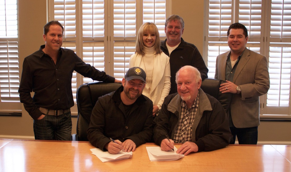 Kristian-Bush-BBR-Music-Group-Wheelshouse-Signing---CountryMusicRocks.net